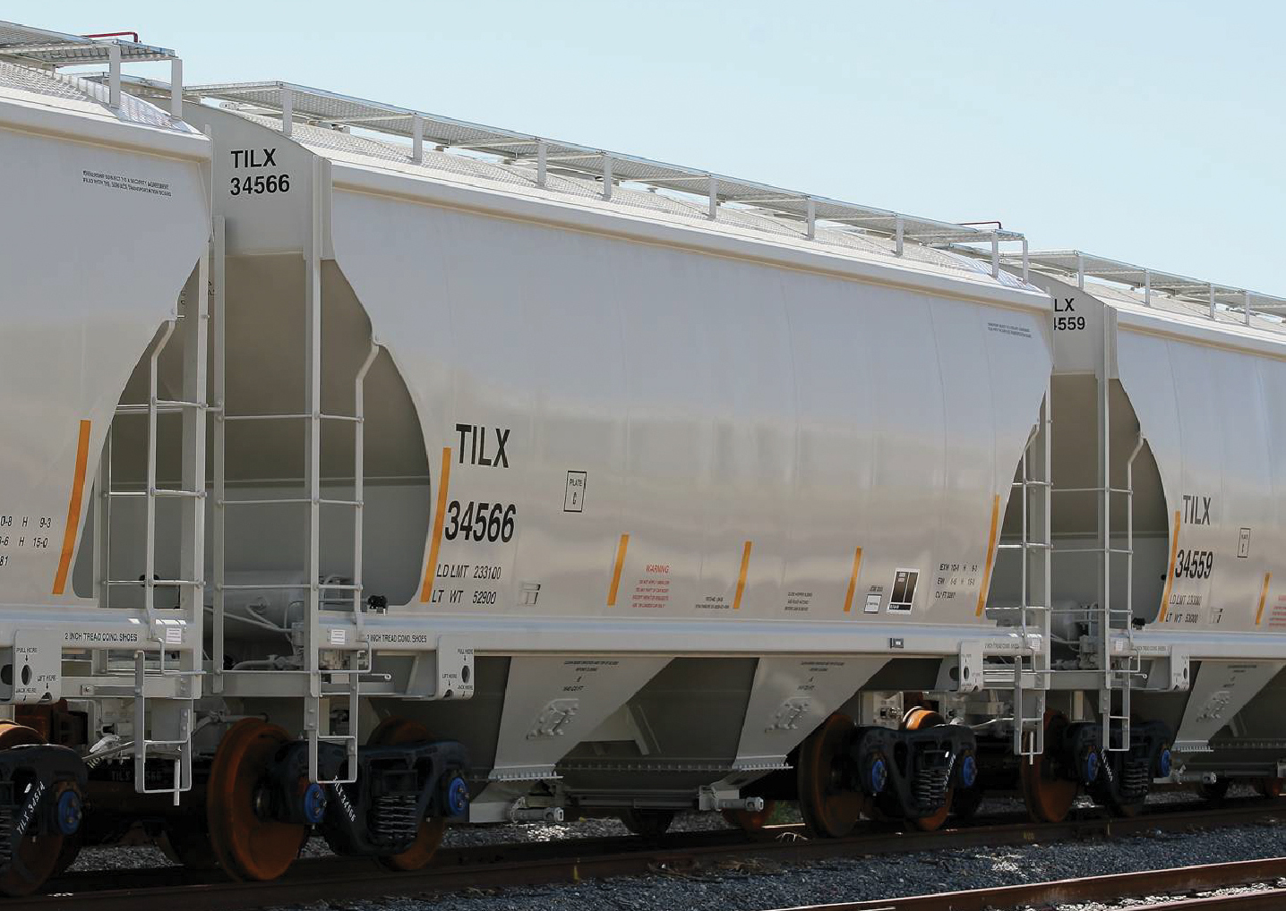 Vehicle - Rail - Rolling Stock (Freight) - Covered Hopper - 2-Bay Trinity 3281