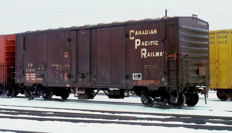 Rail - Rolling Stock (Freight) - Boxcar - 40 Foot Steel Plug Door