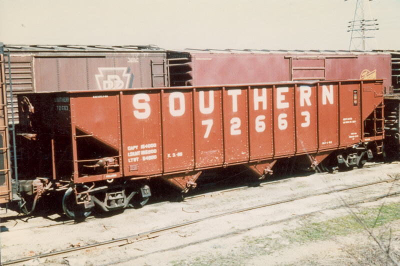 Vehicle - Rail - Rolling Stock (Freight) - Open Hopper - 3-Bay ARA 70-Ton