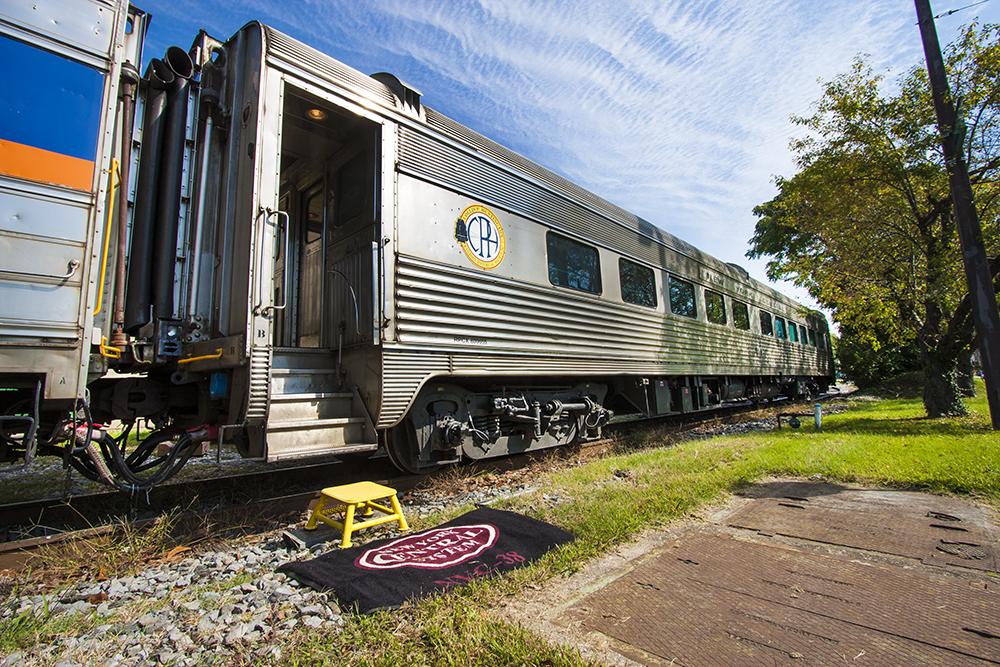 Vehicle - Rail - Passenger Car - Streamlined/Lightweight - Budd, Corrugated Parlor