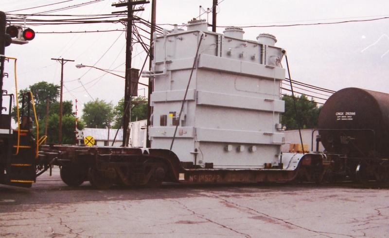 Rail - Rolling Stock (Freight) - Flatcar - Depressed Center