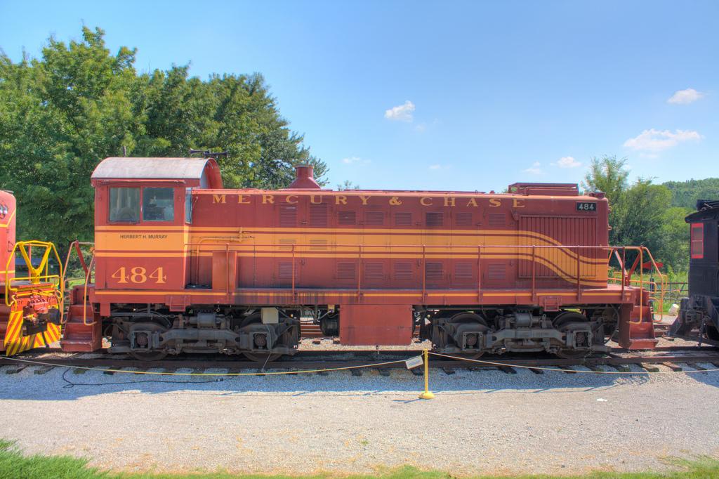 Rail - Locomotive - Diesel - Alco S-2