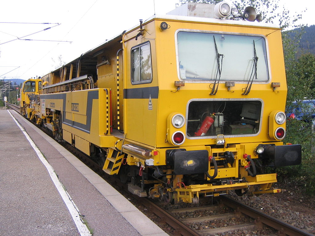 Rail - Rolling Stock (Freight) - Maintenance of Way - Plasser & Theurer 09-32 DYNACAT