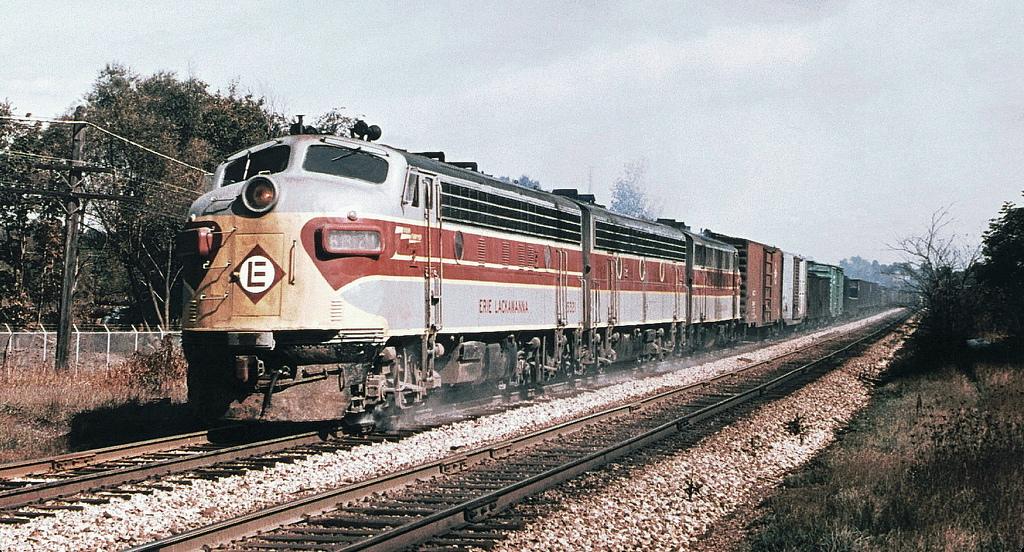 Vehicle - Rail - Freight Train - Diesel - Transition Era