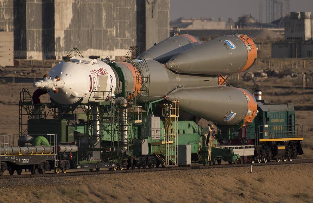Rail - Rolling Stock (Freight) - Rocket Launch Pad Transport Car - Soyuz