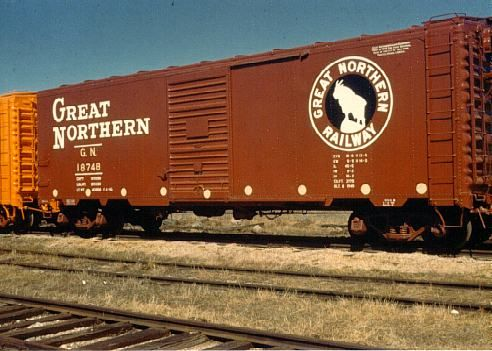 Rail - Rolling Stock (Freight) - Boxcar - 40 Foot Steel 12 Panel