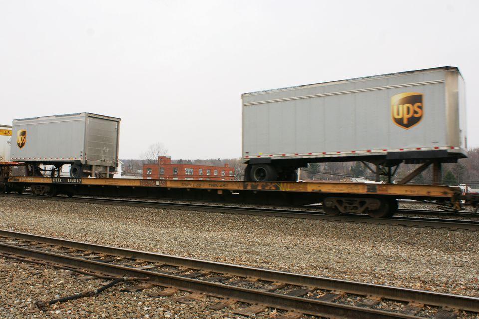 Rail - Rolling Stock (Freight) - Flatcar - 89 Foot TOFC