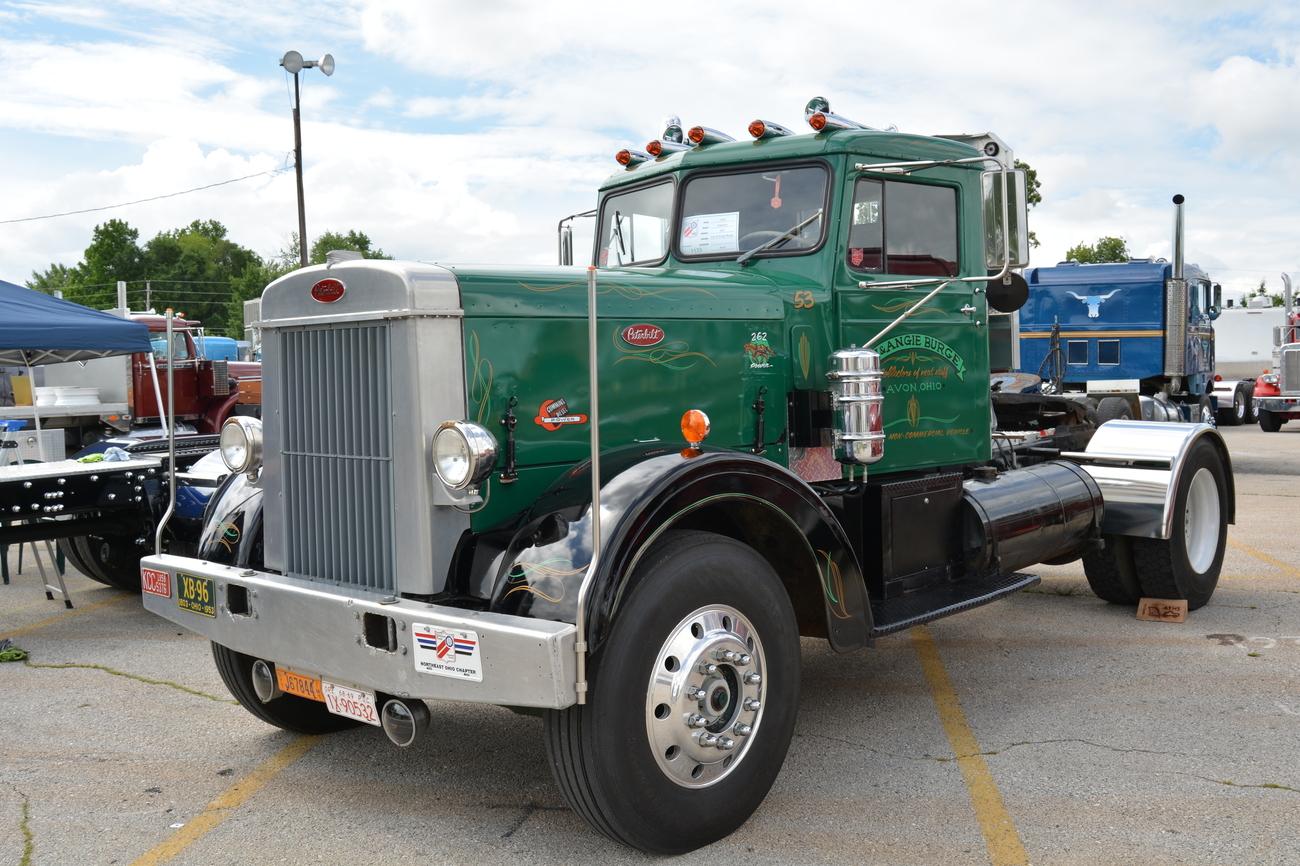 Vehicle - Vehicle - Truck - Semi Tractor Cab - Peterbilt 280