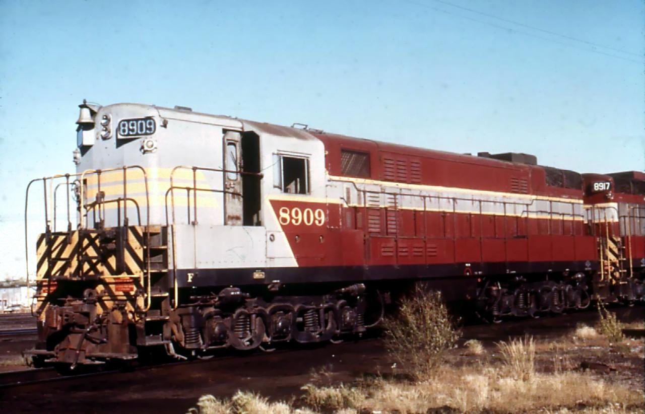 Rail - Locomotive - Diesel - Fairbanks Morse H-24-66