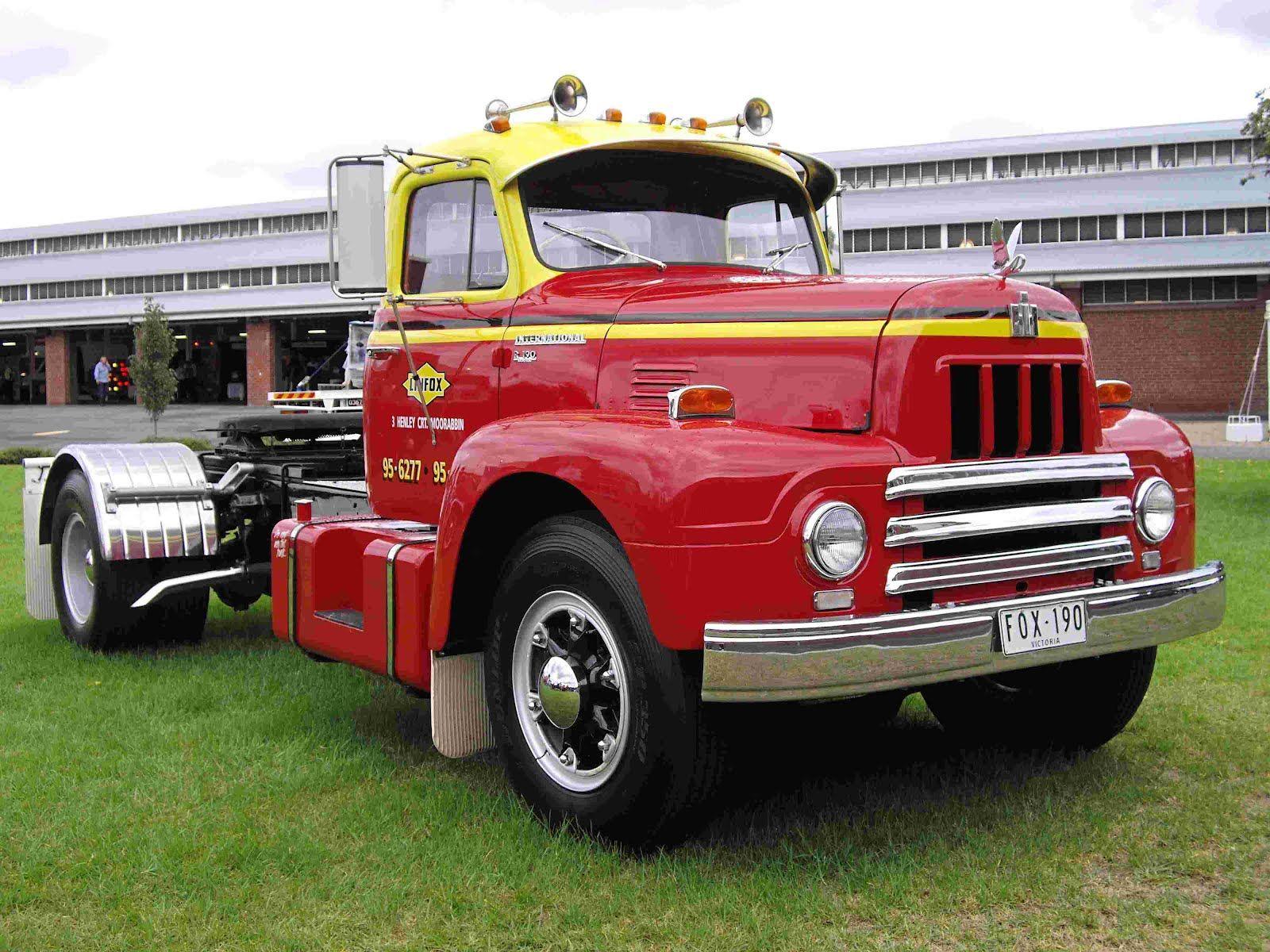 Vehicle - Vehicle - Truck - Semi Tractor Cab - IH R190
