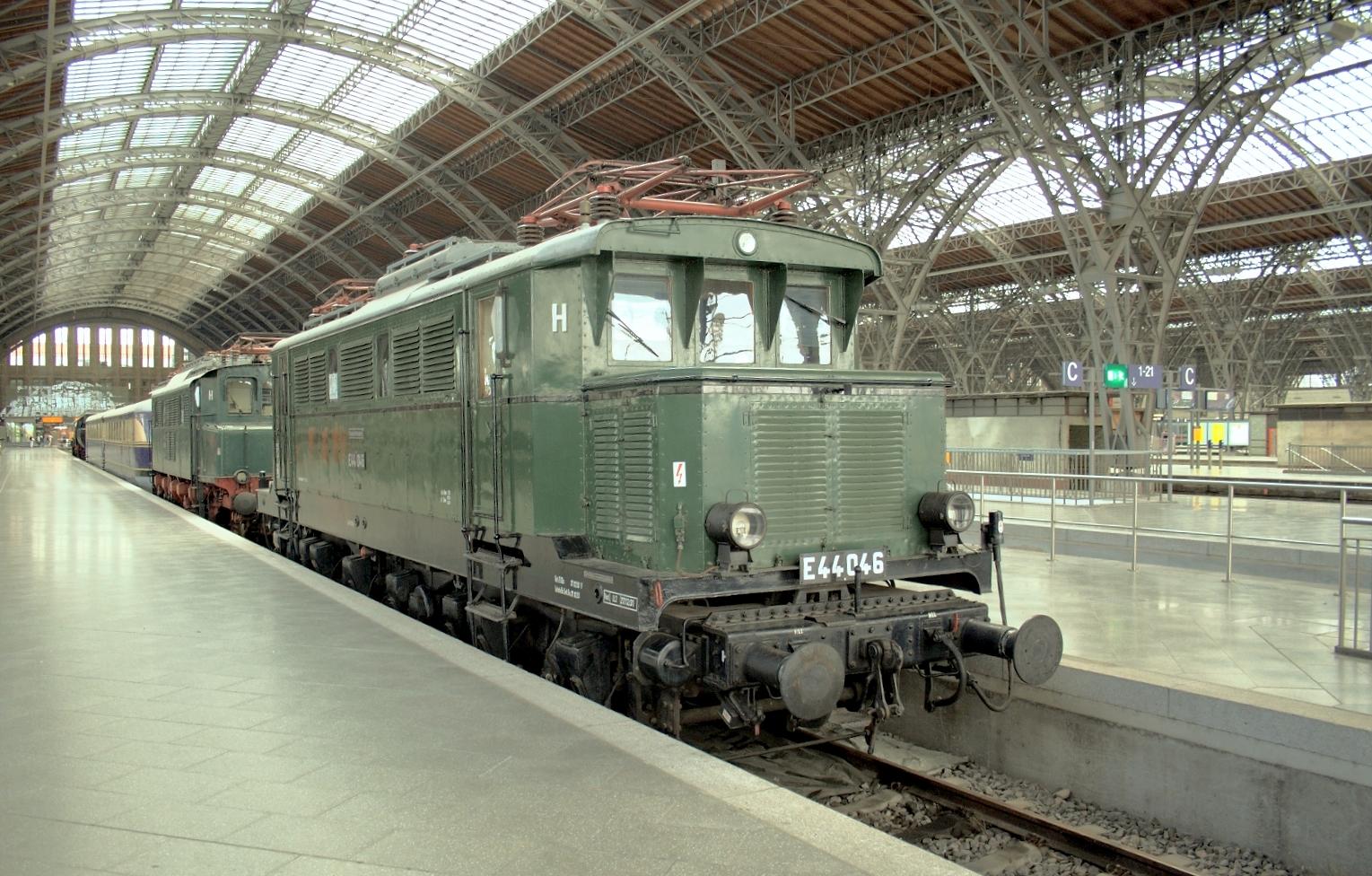 Rail - Locomotive - Electric - E44