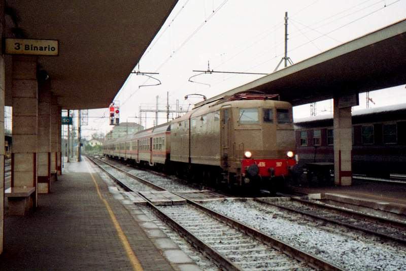 Vehicle - Rail - Passenger Train - Electric - Epoch V
