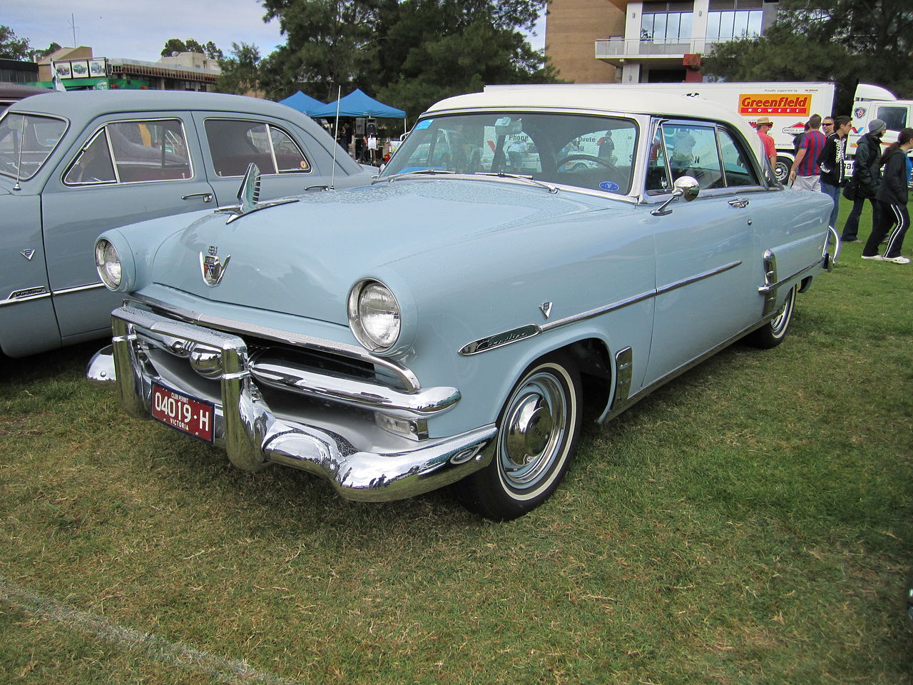 Vehicle - Automobile - Ford - 1952-1954