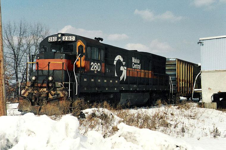 Vehicle - Rail - Locomotive - Diesel - GE U23b