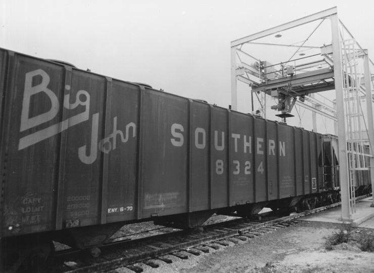 Rail - Rolling Stock (Freight) - Covered Hopper - 4-Bay Ribside