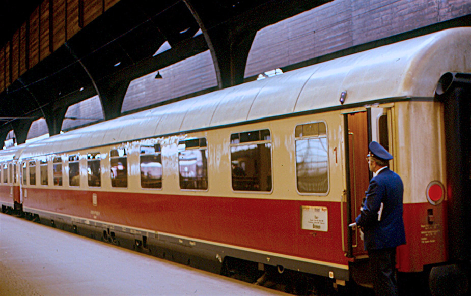 Vehicle - Rail - Passenger Car - DB - Epoch III