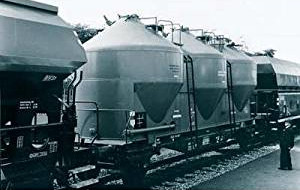 Vehicle - Rail - Rolling Stock (Freight) - Tank Car - Cement Silo, 2-Axle