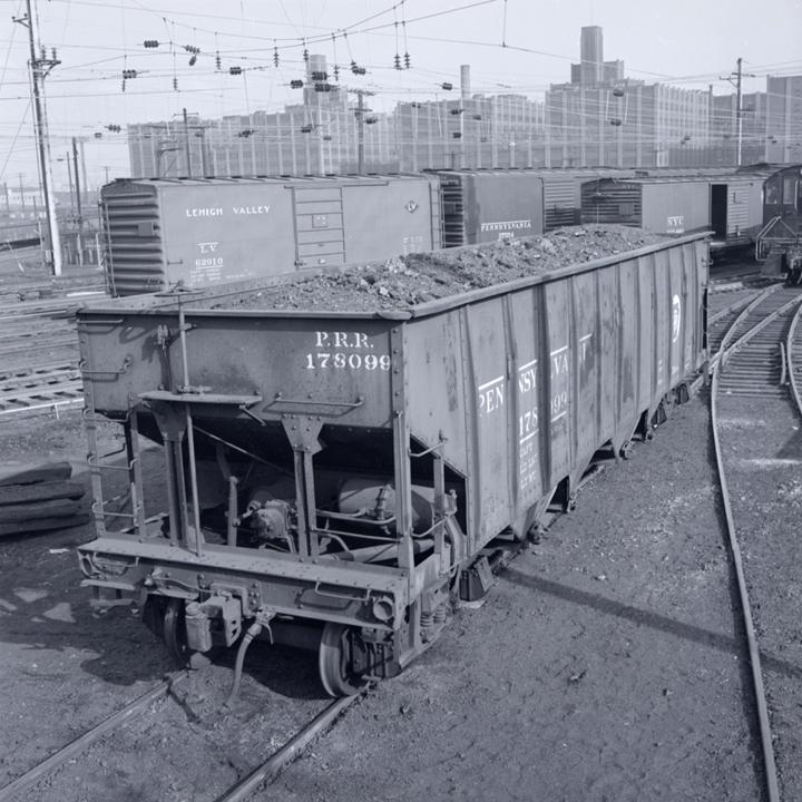 Vehicle - Rail - Rolling Stock (Freight) - Open Hopper - 4-Bay Steel H21a