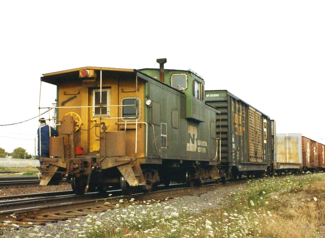 Vehicle - Rail - Rolling Stock (Freight) - Caboose - Cupola, Steel, Extended Vision