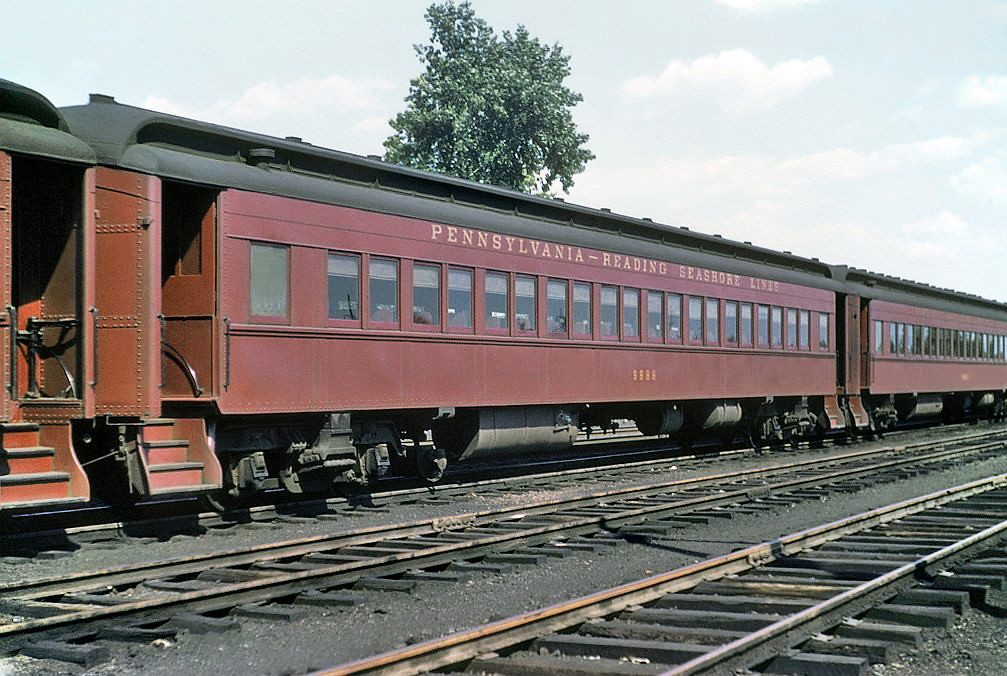 Rail - Passenger Car - Heavyweight - Pennsy P70 Coach