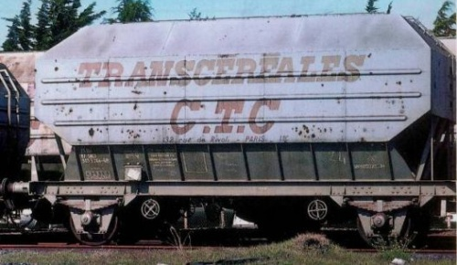 Vehicle - Rail - Rolling Stock (Freight) - Covered Hopper - 2-Axle Cereal