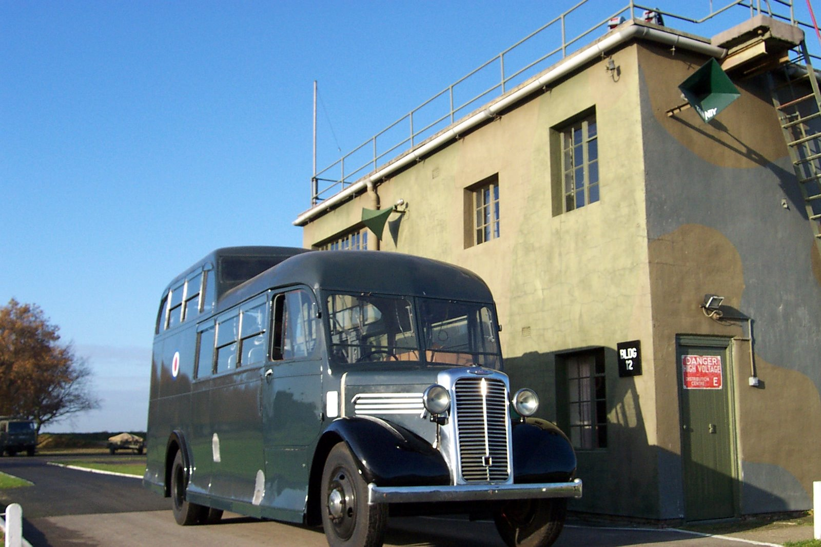 Vehicle - Vehicle - Bus - Commer - Commando