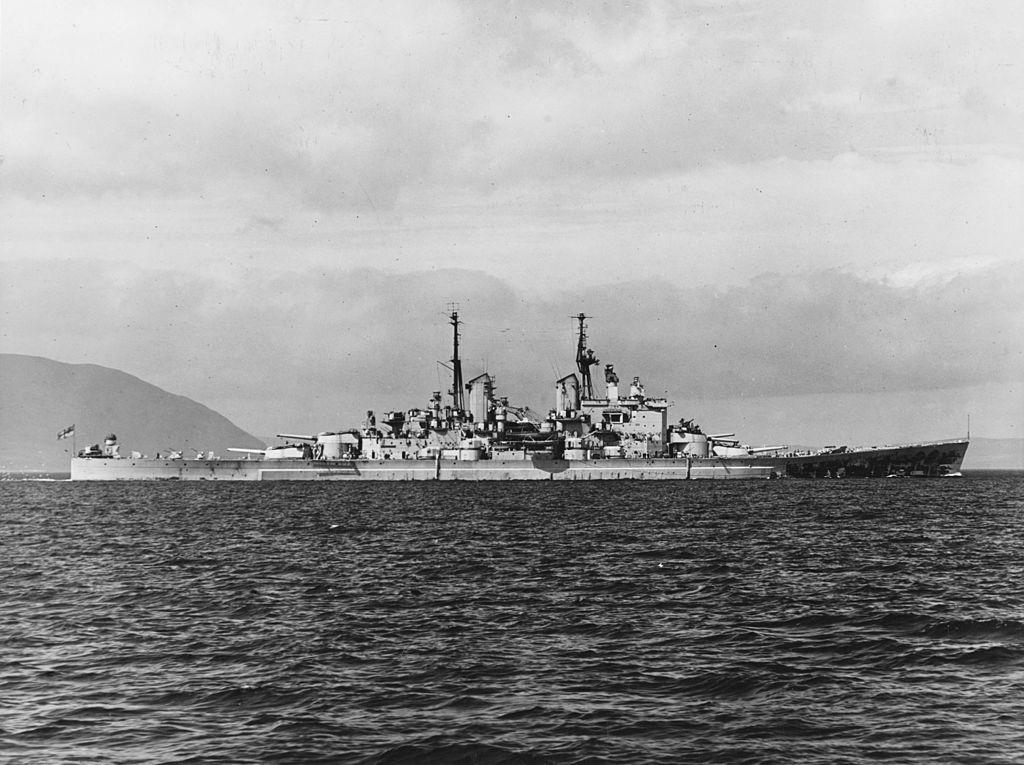 Warship - HMS Vanguard - Battleship